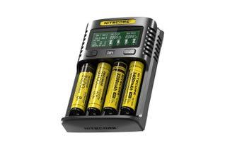 Nitecore UM4 batterilader