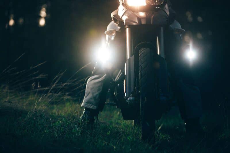 Ta vårpussen på motorsykkelen