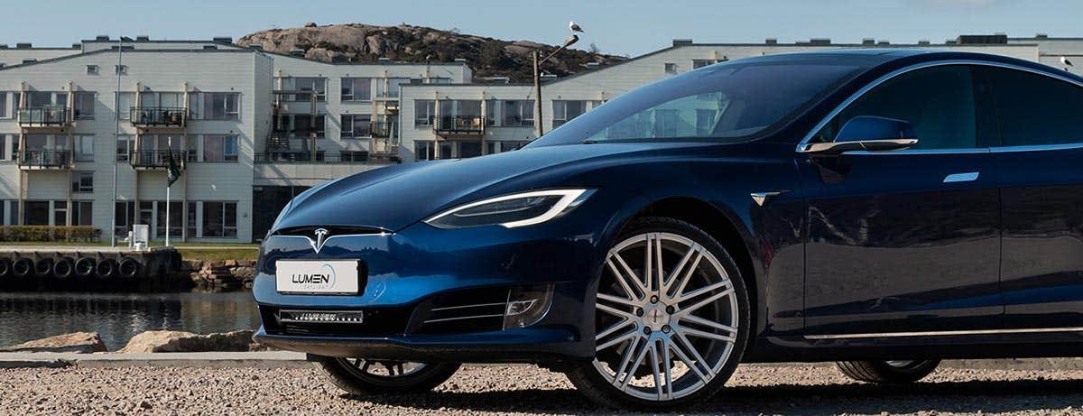 Lumen Helios CS20 - täydellinen lisävalo Teslaasi!
